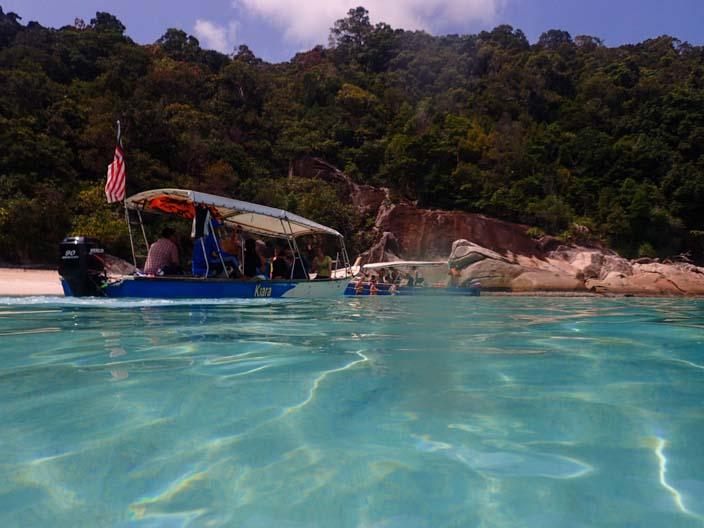 Perhentian Islands Strand vom Wasser aus