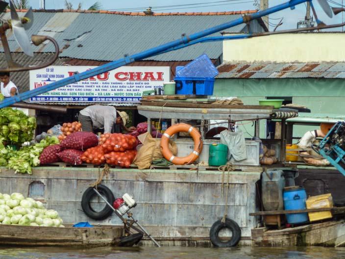mekong-delta-besuch-schwimmender-markt-39