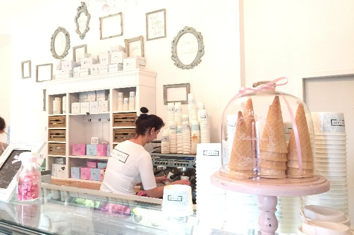Budapest Café: The Sweet by Vintage Garden