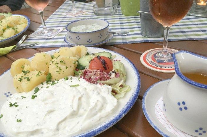 Urlaub im Spreewald Stocherkahnfahrt Einkehr Kaupen Nr. 6 Kartoffeln, Leinöl und Quark