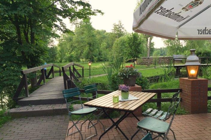 Urlaub im Spreewald Stocherkahnfahrt Einkehr Kaupen Nr. 6 Biergarten