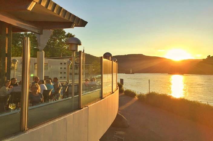 Bingen am Rhein Sehenswürdigkeiten nh hotel terasse sonnenuntergang