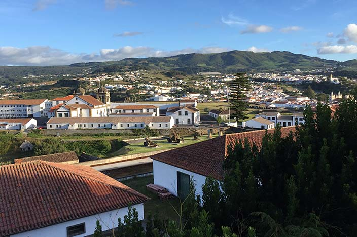 Angra do Heroismo Festungsanlage mit der Burg São João Baptista