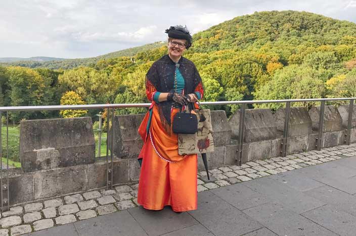 Schloss Drachenburg Gästeführerin, Frau Professor, Elisabeth Schleier