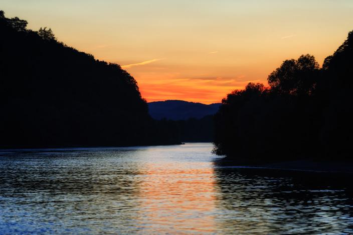 Flusskreuzfahrt Donau A-ROSA Riva Sonnenuntergang