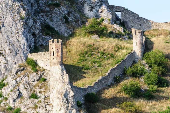 Festungsanlage der Burg Devín