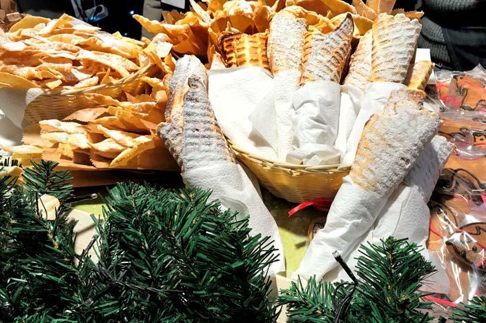 Vilnius Sehenswürdigkeiten: Kathedralenplatz Essen Weihnachtsmarkt