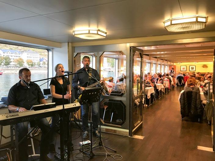 """Band auf der MS Stolzenfels bei """"Rhein in Flammen St. Goar / St. Goarshausen"""""""