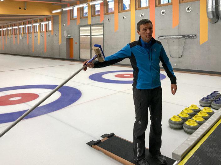 Gstaad Curling mit dem 5* Ermitage Wellness & Spa-Hotel Gästeführer Christian