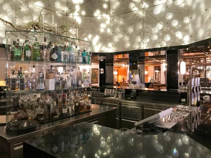 "5* Ermitage Wellness & Spa-Hotel ""One Million Stars"" Bar mit Swarovski-Steinen"