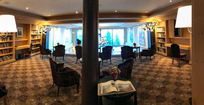 5* Ermitage Wellness & Spa-Hotel Bibliothek mit Blick auf Bärgblick