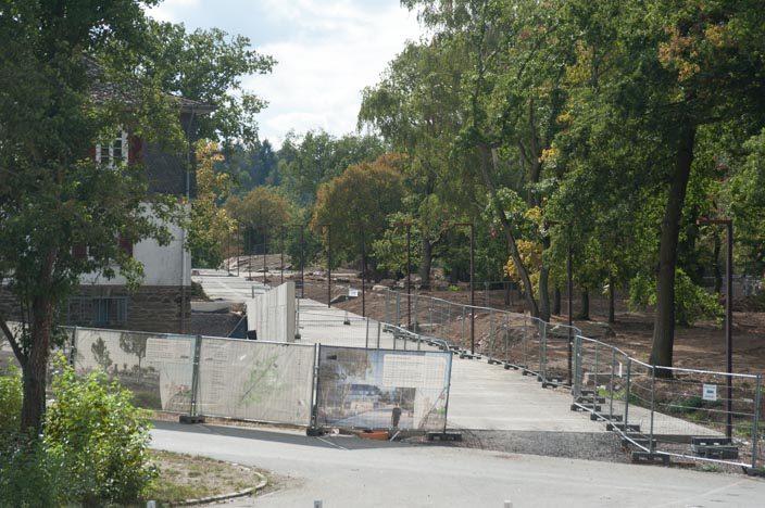 Baustelle auf dem Loreley-Felsen